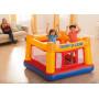 Nafukovací trampolína Intex 48260 - 174 x 174 x 112 cmje skvělé hrací centrum pro vaše neposedné děti. Ve čtverci odélce strany 174cm si děti výborně zaskáčou a vydovádí se. Měkká nafukovací podlaha a vysoké stěny se síťovinou poskytují bezpečnéhraní. Nafukovací centrum je doporučeno pro maximálně dvě děti.